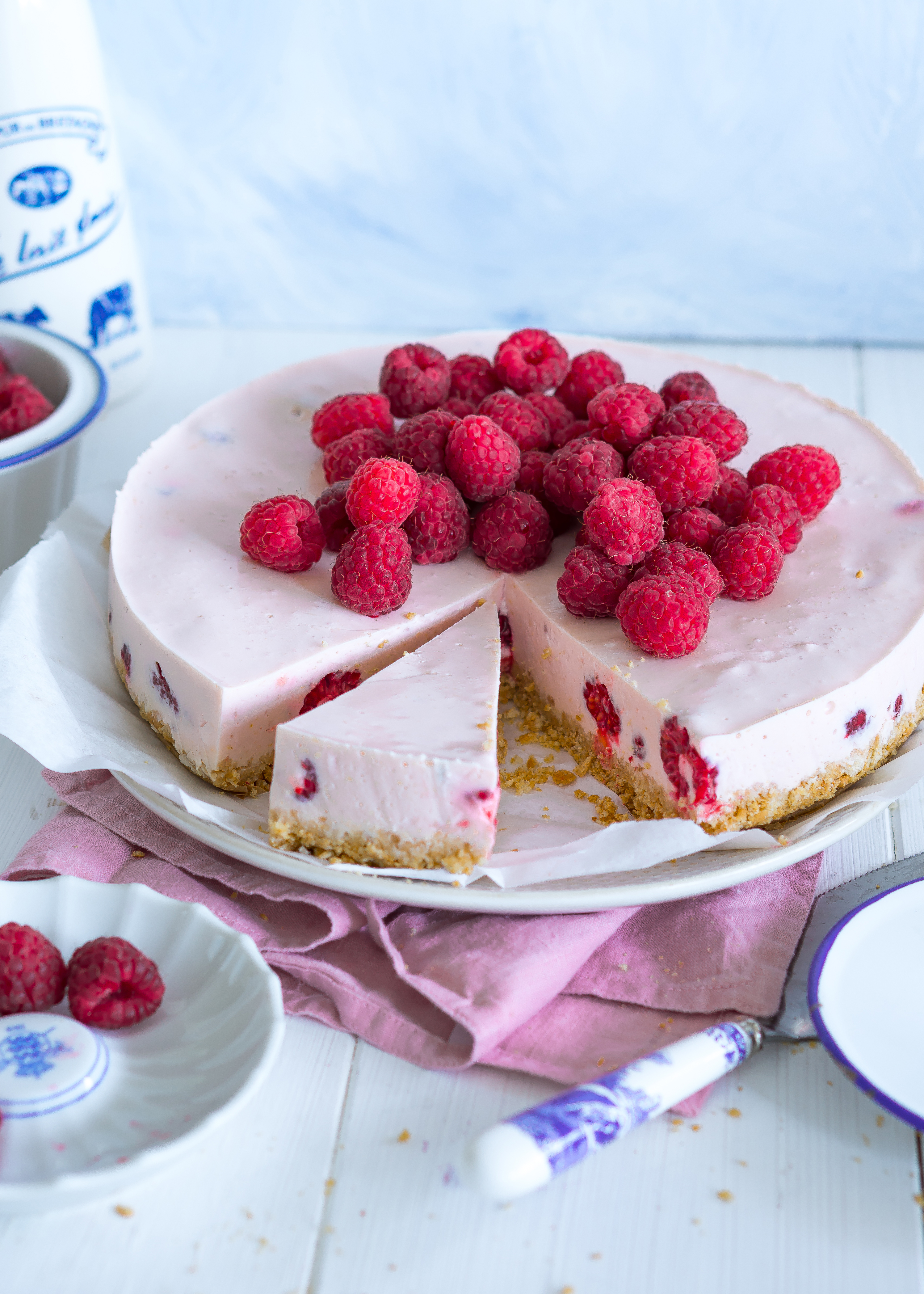 Himbeer Buttermilch Torte Backen Rezepte Molkerei Weihenstephan