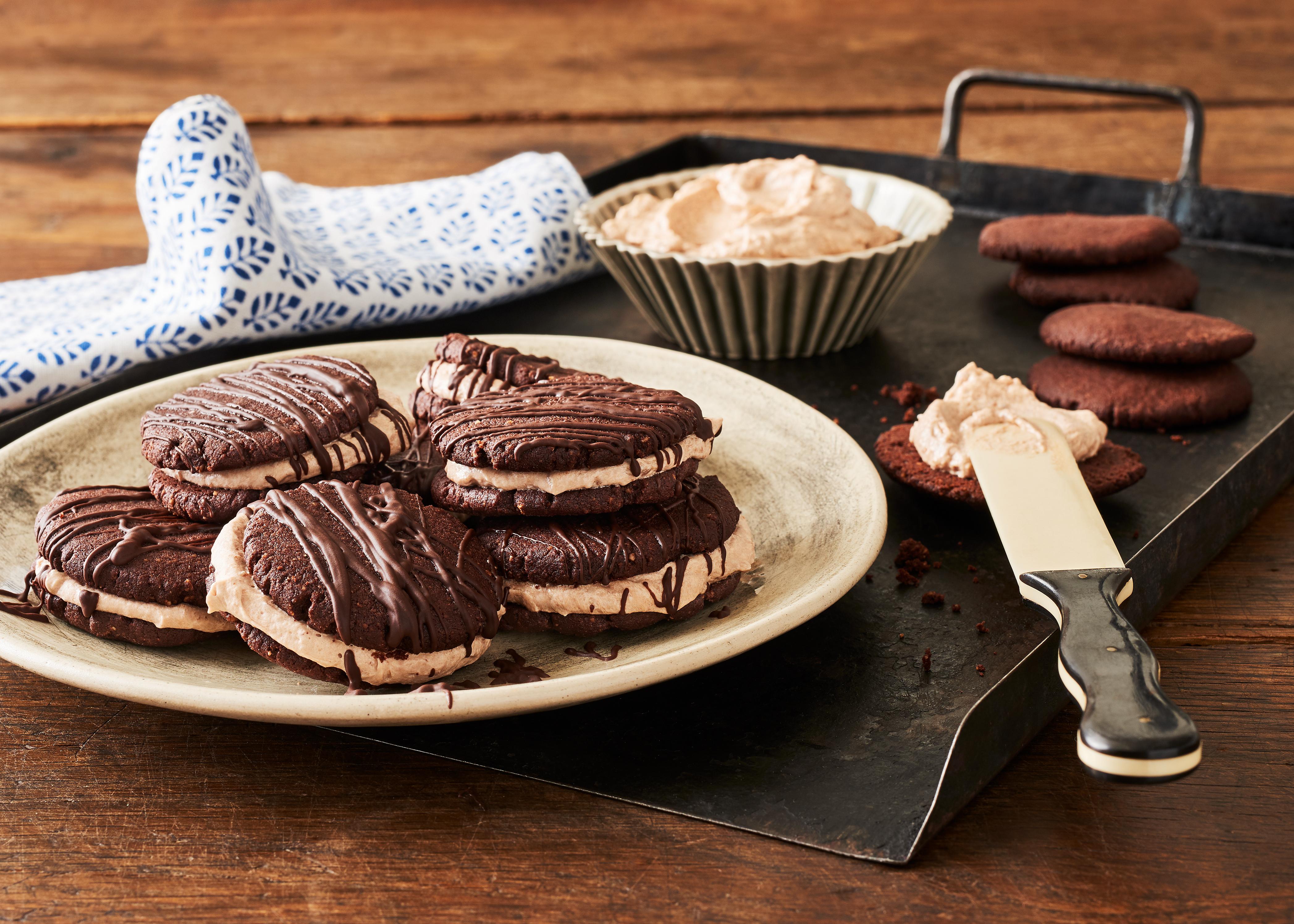Schokoplätzchen Mit Kakaocreme Füllung Backen Rezepte Molkerei